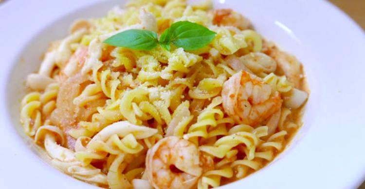 歐巴上菜:義大利麵實驗室之【鮮蝦白菇螺旋麵】 – 媽媽經|專屬於媽媽的網站