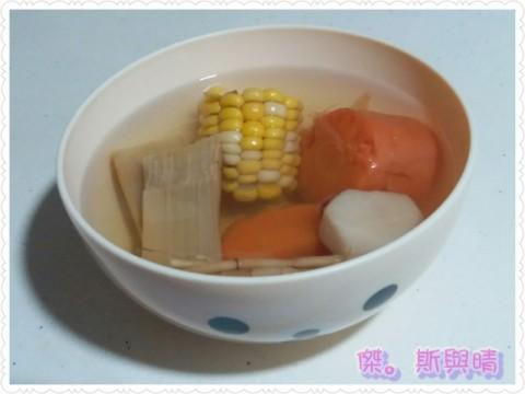清潤湯水:竹蔗茅根馬蹄紅蘿蔔粟米湯 – 媽媽經|專屬於媽媽的網站