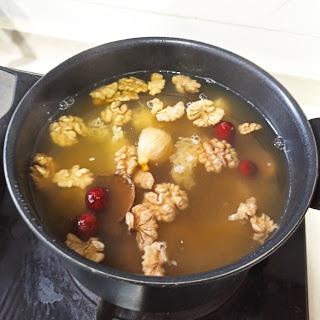 又有清甜湯水食譜!無花果雪耳潤肝腎湯, 製作方法