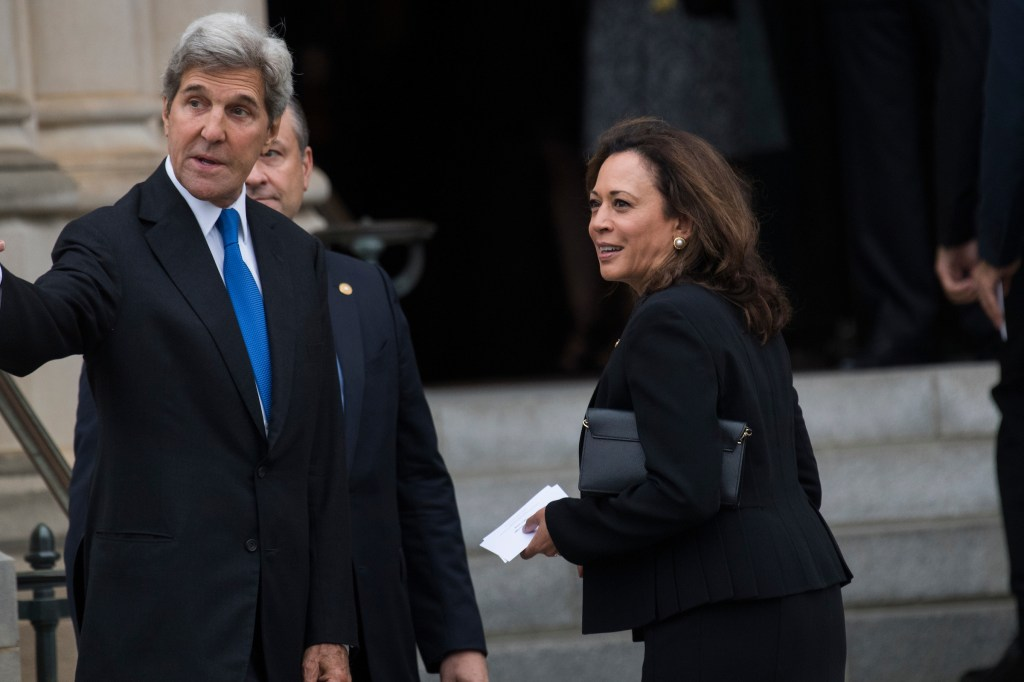 UNITED STATES - SEPTEMBER 1: Sen. Kamala Harris, D-Calif., and John Kerry, former senator and secretary of state, arrive for the funeral of the late Sen. John McCain, R-Ariz., at the Washington National Cathedral on September 1, 2018. (Photo By Tom Williams/CQ Roll Call)