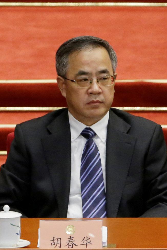 中共7人制常委 添5新血 - 世界新聞網