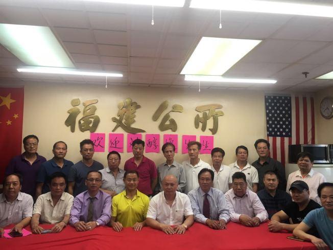 劉醇逸勝選 訪紐約華人社區謝票 - 世界新聞網
