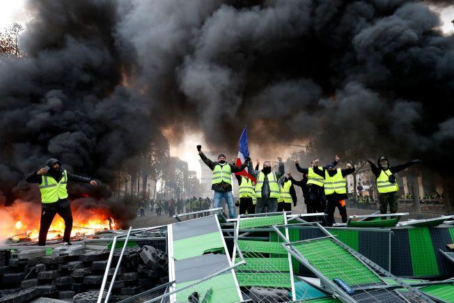 法國「黃背心」運動變調 香榭大道陷入混亂 - 世界新聞網