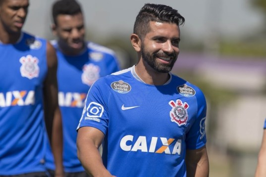 Ex-camisa 10 do Corinthians processa o clube por atrasos e cobra R$ 2 milhões na Justiça
