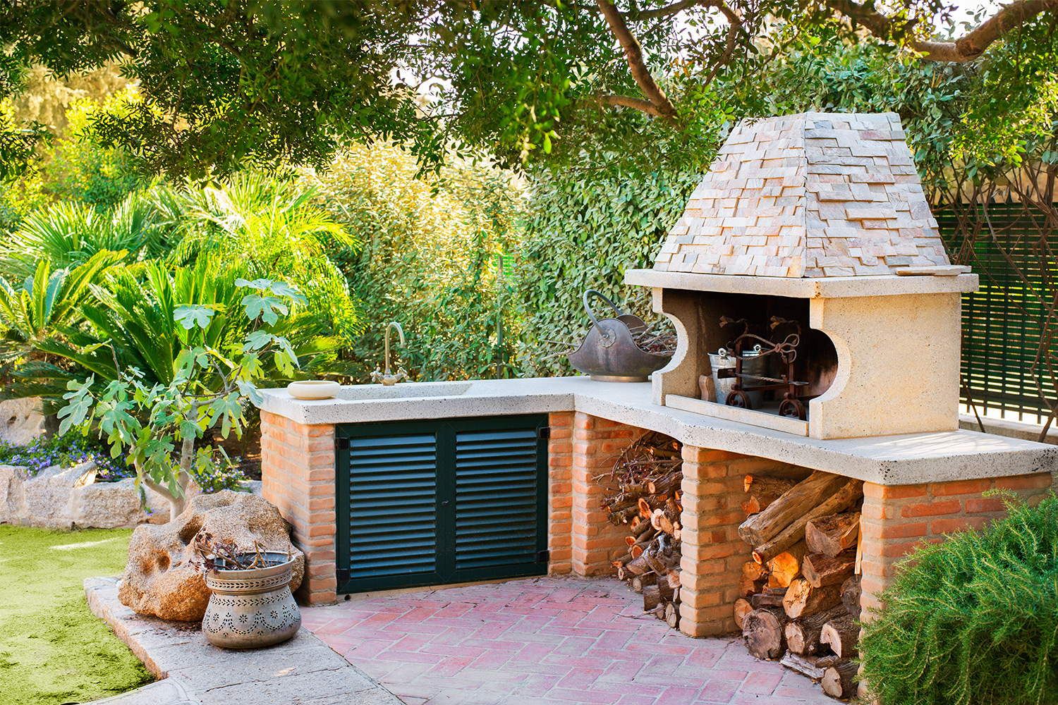 outdoor kitchen oven small remodel cost ideas midwest home with and sink