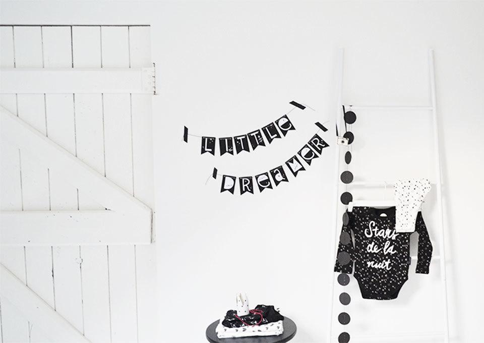 Behang Kinderkamer Ruimtevaart : Decoratie slingers kinderkamer huis design
