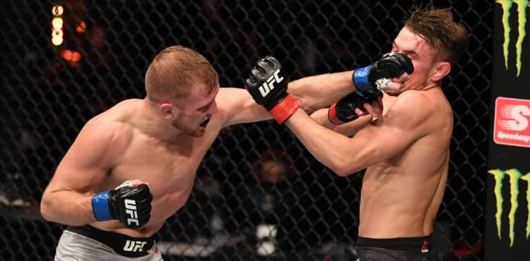 Casey Kenney cracks Nathaniel Wood in UFC 254 Fight of the Night