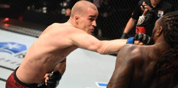 Dusko Todorovic punches Dequan Townsend at UFC Fight Island 4
