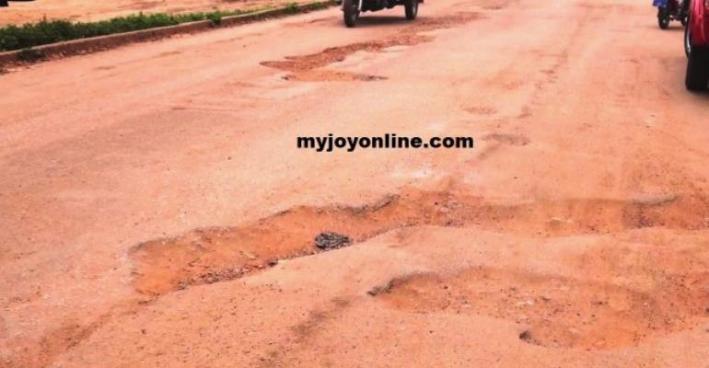 Poor Roads Blamed On 'Do-Nothing' Engineers