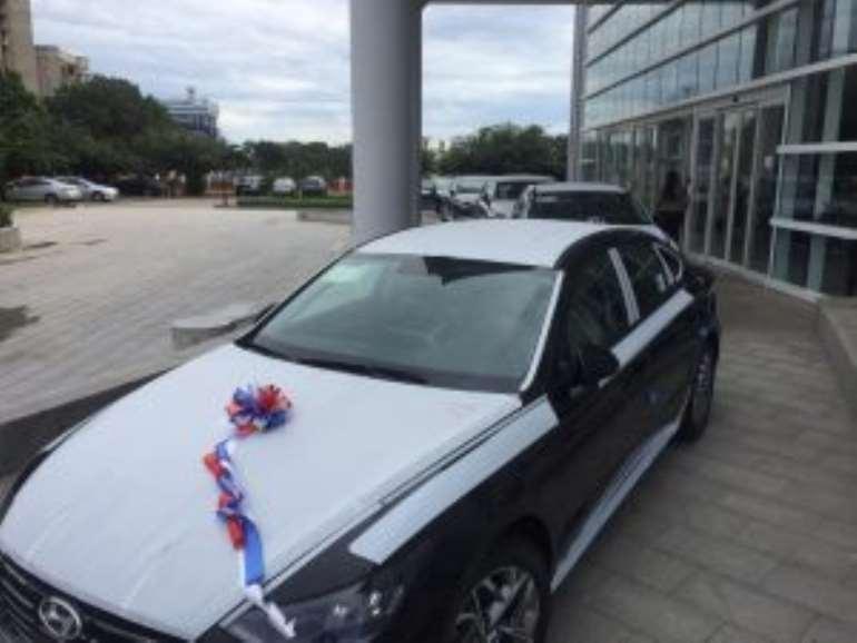 107202064130-uypcsferrm-cars-300x225