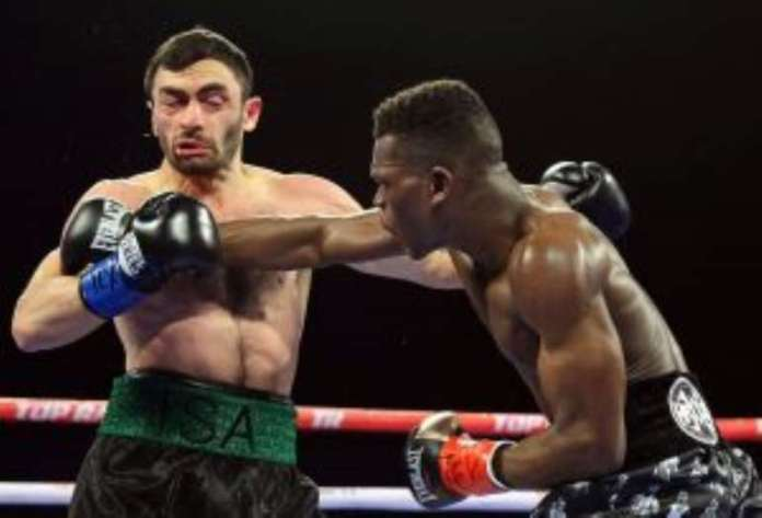 Commey unleashes a hard right hook on Chaniev