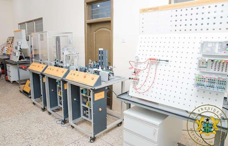 87202192054-23041q5dcx-an-equipment-inside-the-technology-solution-centre-2