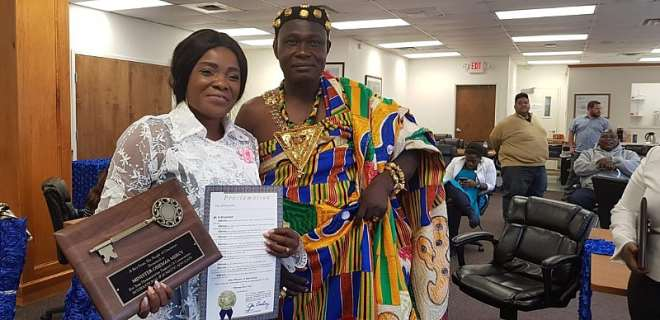 928201824351 8cs1vihuup ohemaa mercy receives key to city of cincinnati in america04f7eeb2e66a4e2dbad2f2d681ad481a
