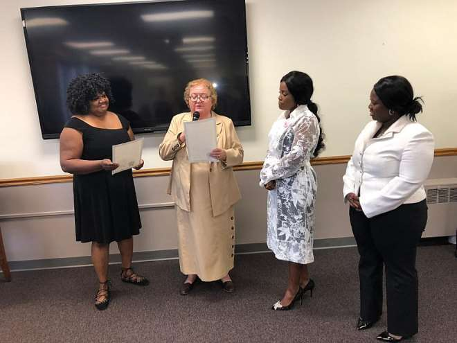 928201824543 otjvn0y442 ohemaa mercy receives key to city of cincinnati in americaf38c4511c84343a186000710ec1f3b0b
