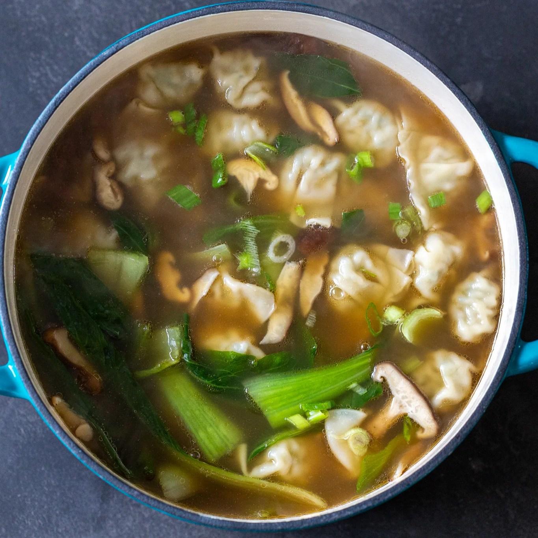 Wonton soup in a pot