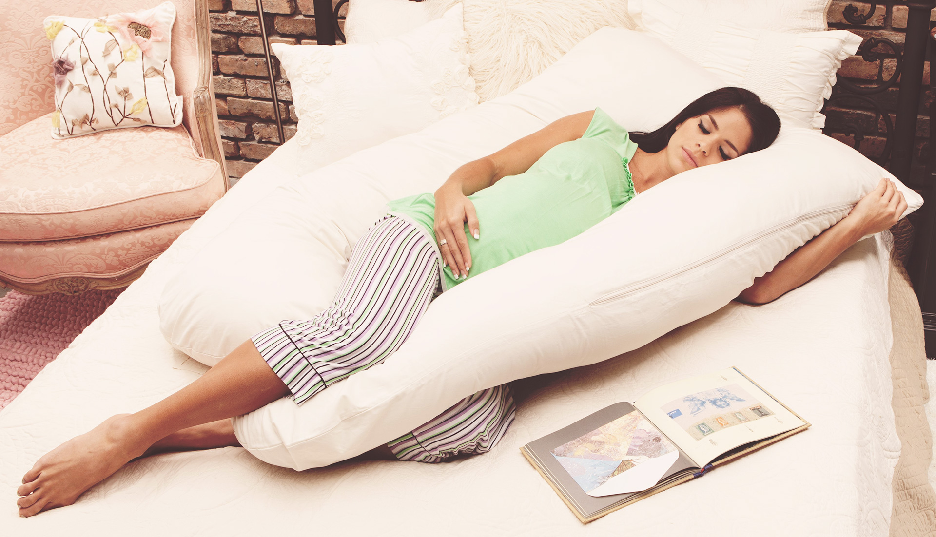 The Best Pregnancy Pillow To Get Some MuchNeeded Sleep 2017