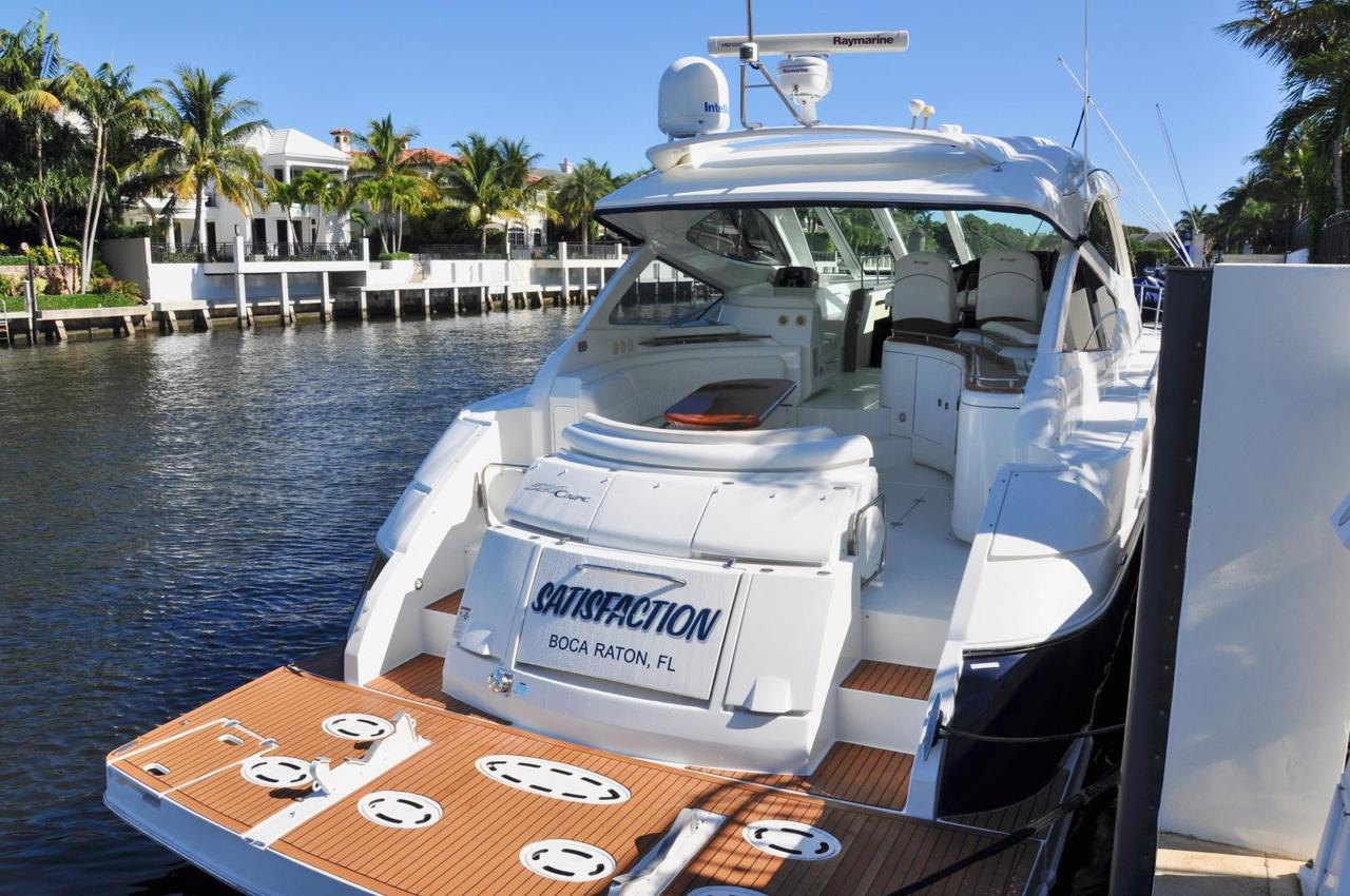 2009 Used Cruisers Yachts 520 Sports Coupe Express Cruiser