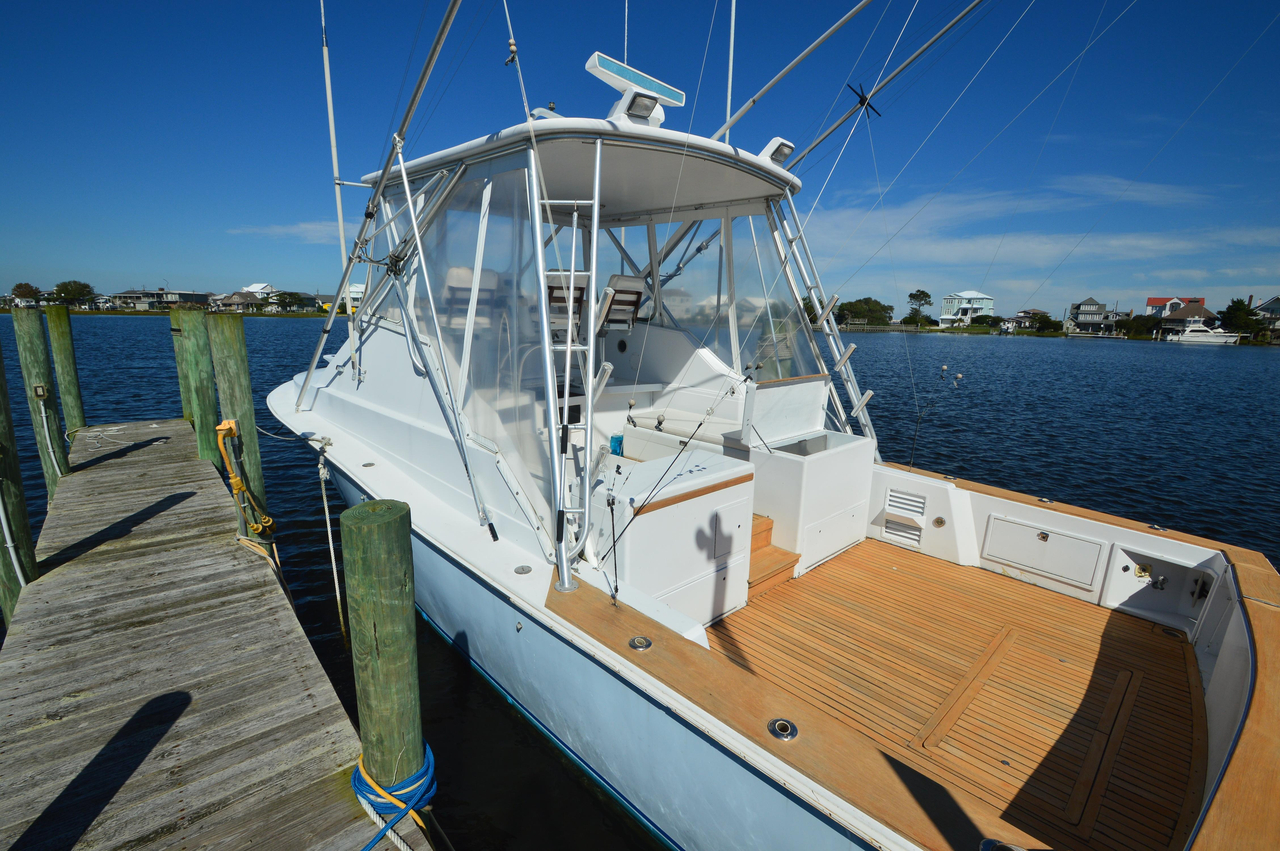 1992 Used Dawson Yachts 38 Express Saltwater Fishing Boat