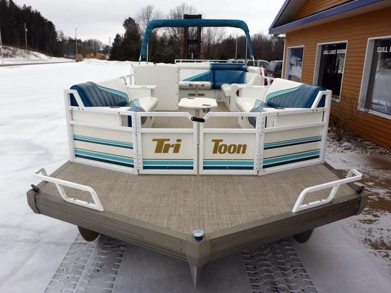 1995 Used Jc 266 TriToon IO Pontoon Boat For Sale 18495 Richland MI