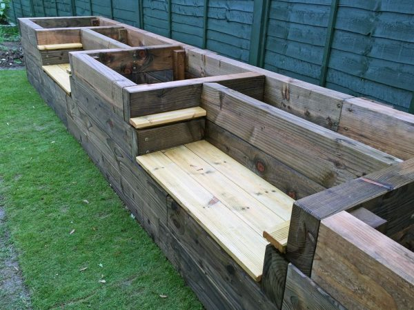 Old Pallets Used To Make A Raised Garden Cool Now I Don39t