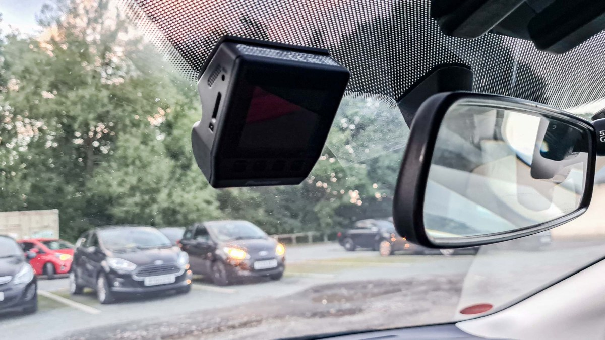 Pioneer ND-DVR100 dash cam review