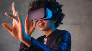 Apple VR headsets can turn your fingers into holographic controllers