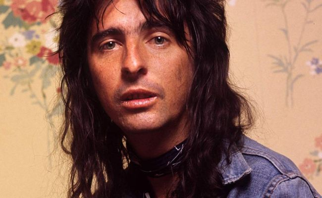 Alice Cooper S Elected The Story Behind The Song Louder