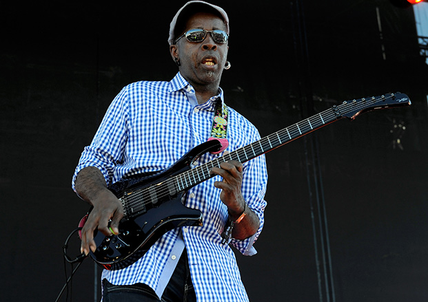 """Living Colour's Vernon Reid Shows How to Play """"Cult of Personality"""" and  More 