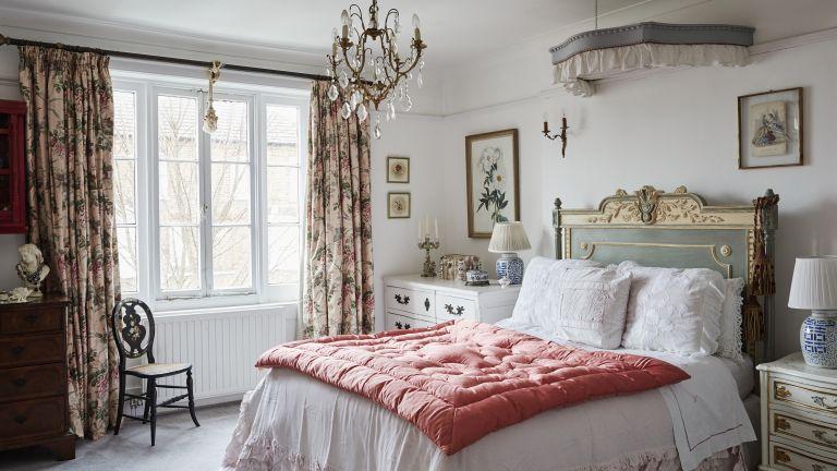13 vintage bedroom ideas retro looks