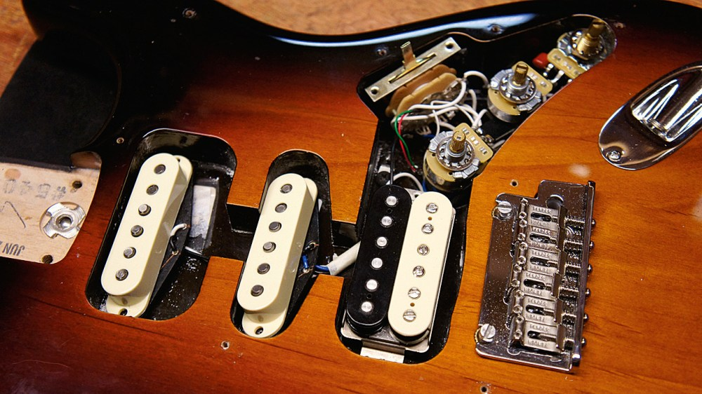 medium resolution of how to replace stratocaster pickups