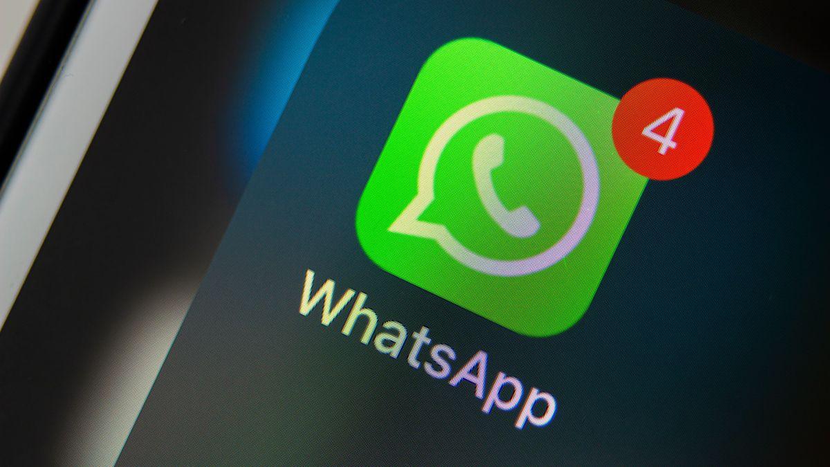 WhatsApp is dialling up the brightness in darkish mode