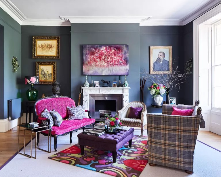 Living room seating ideas with vintage furniture