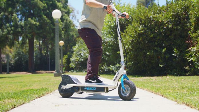 best electric scooters for kids: Razor E300