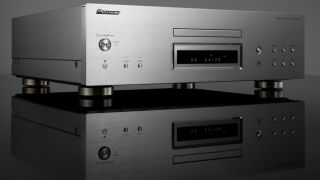 SACD players like the Pioneer PD-70AE-S support lossless music