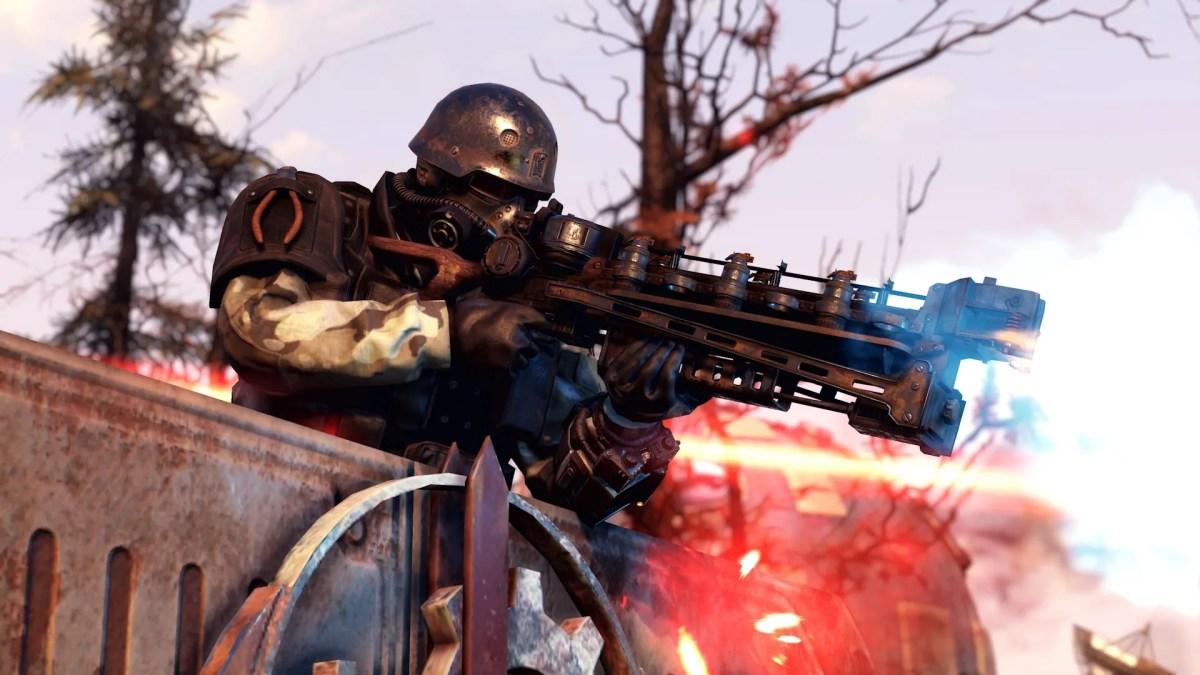 Fallout 76 Steel Reign review — a Hellcat Mercenary firing a rifle
