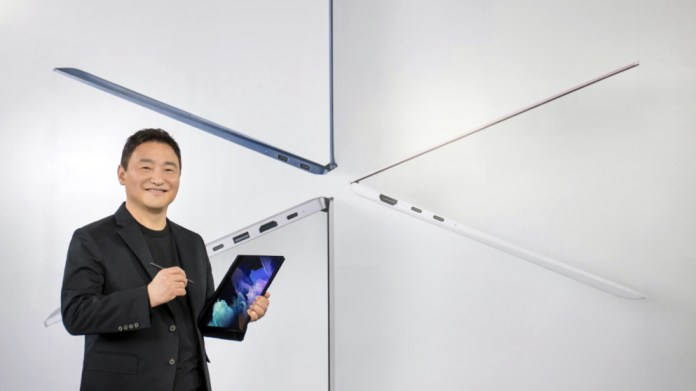 Samsung takes aim at Apple