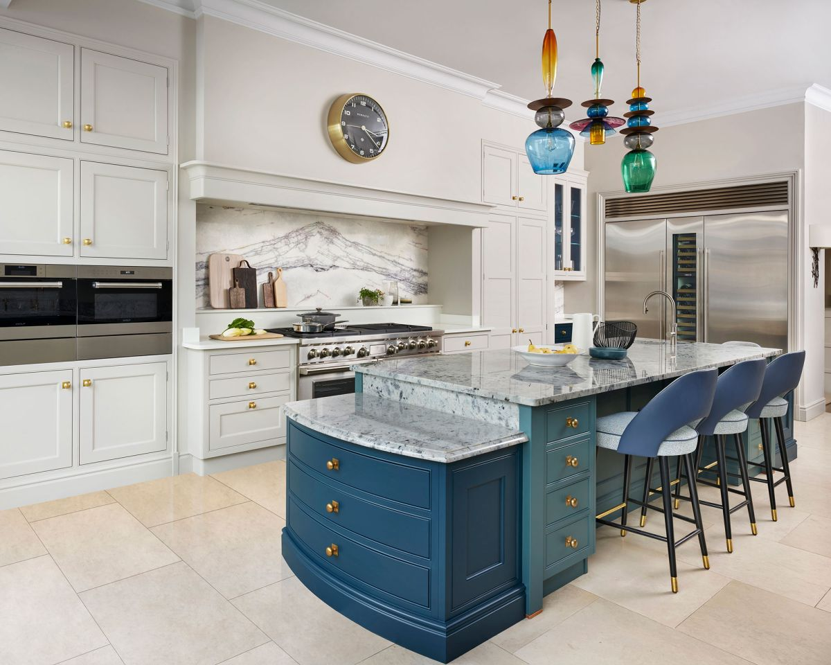 Kitchen Island Lighting Ideas How To Light Up This Prime Spot Homes Gardens Homes Gardensdocument Documenttype