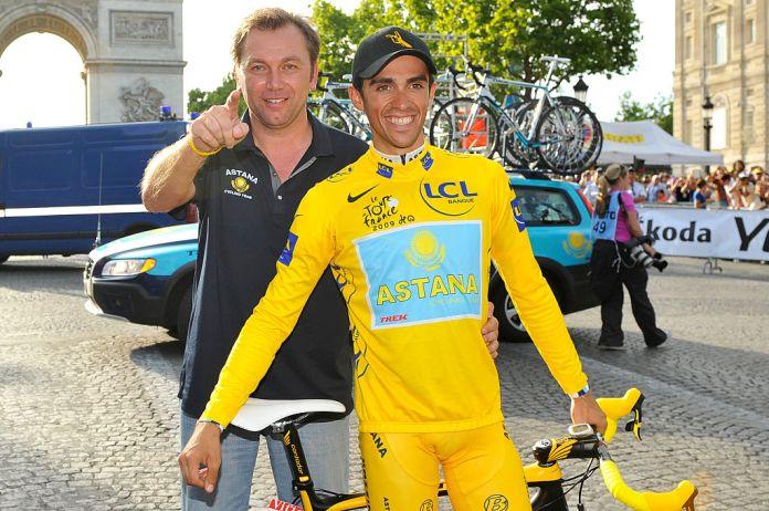 Johan Bruyneel and Alberto Contador after the Tour de France 2009