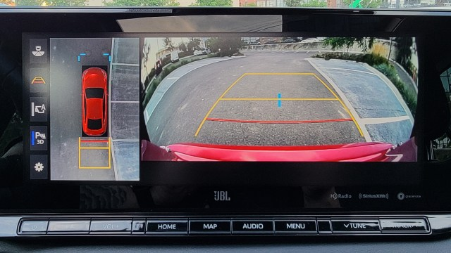 View of the back-up cam from the main display in the Toyota Mirai (2021)