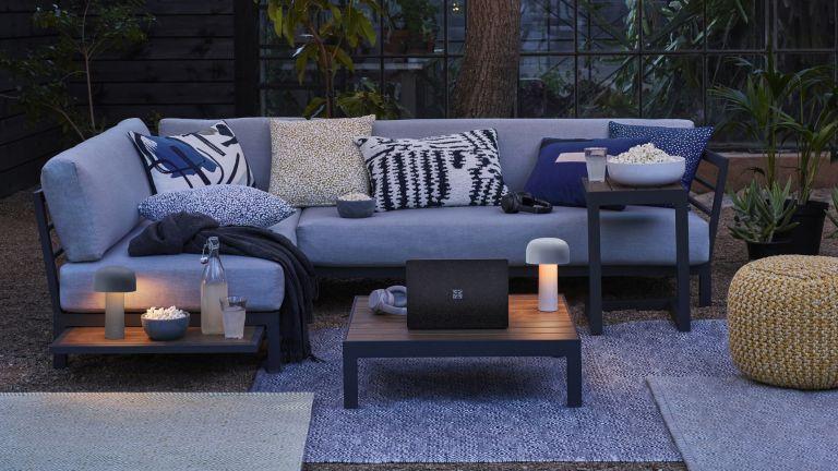 Courtyard Garden Ideas 16 Ways To Transform Small Spaces Gardeningetc