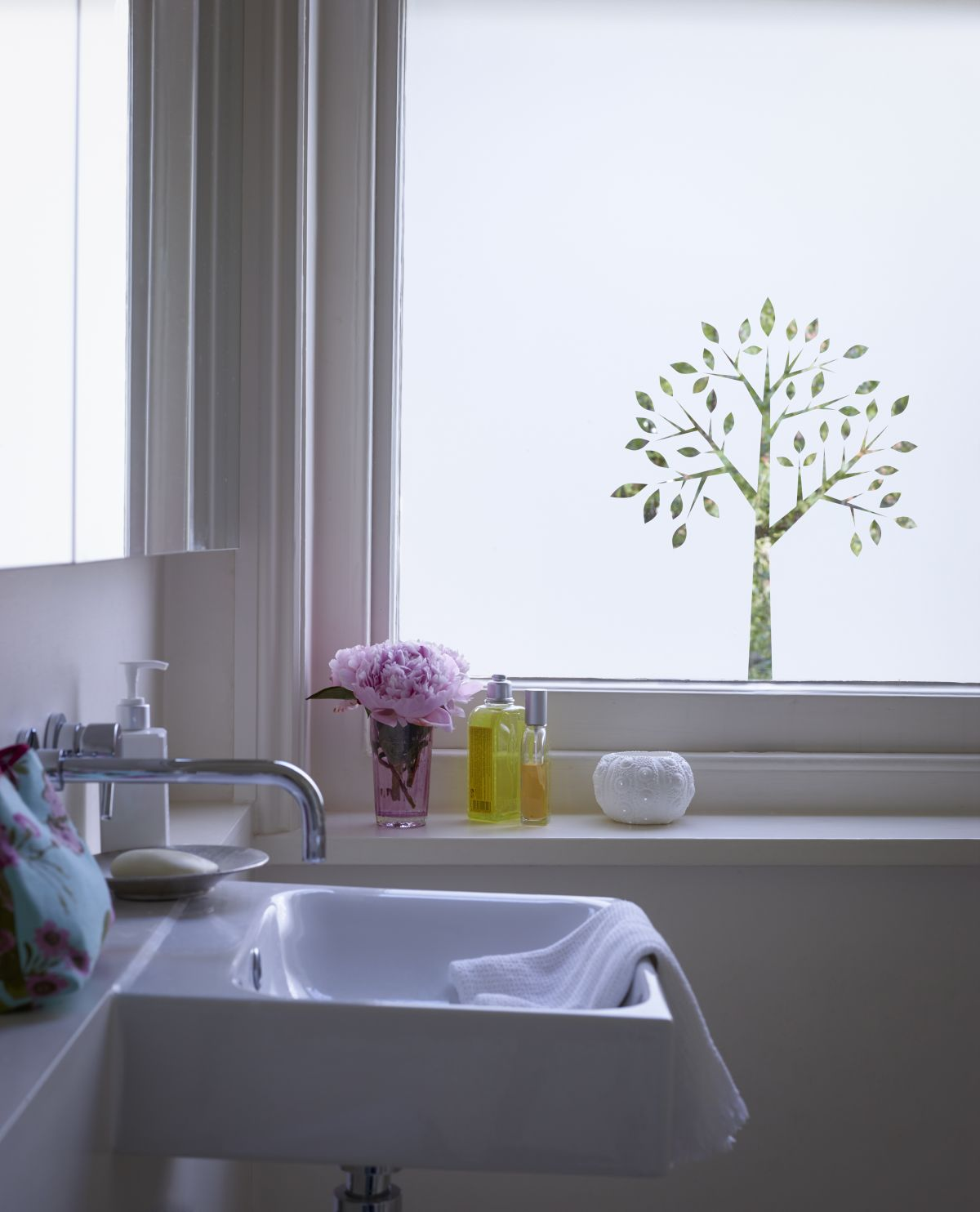 11 Bathroom Window Ideas You Ll Love From Roman Blinds To Colourful Shutters Real Homes