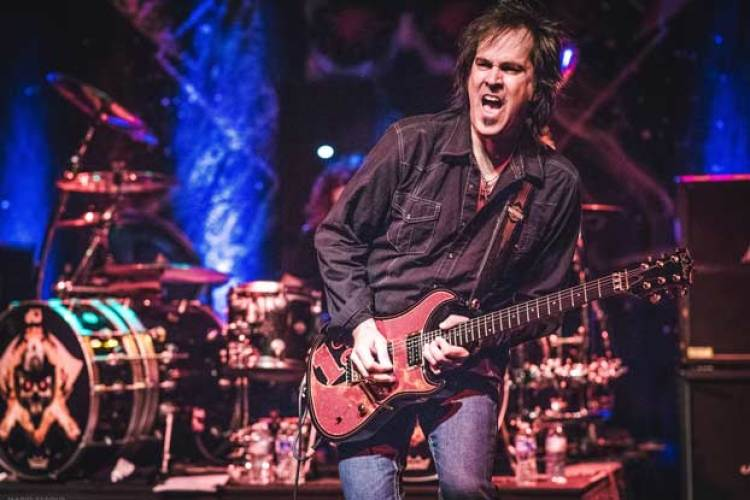 "Firehouse Guitarist Bill Leverty Discusses His New Single, ""You're a  Natural"" 