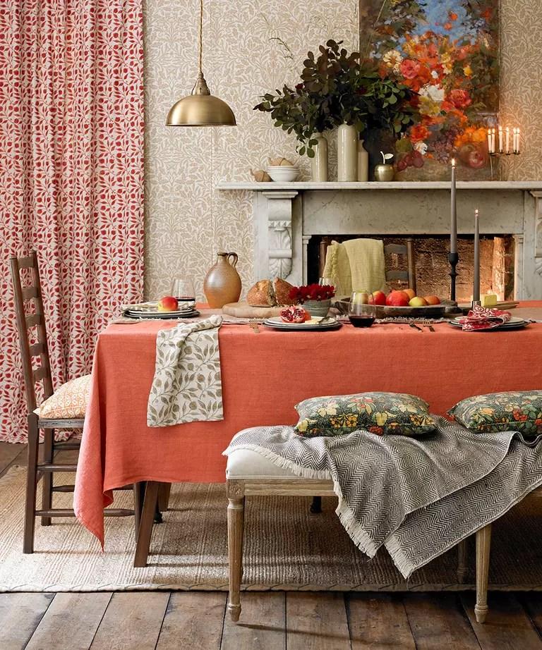 Interior design trends 2021: orange dining room