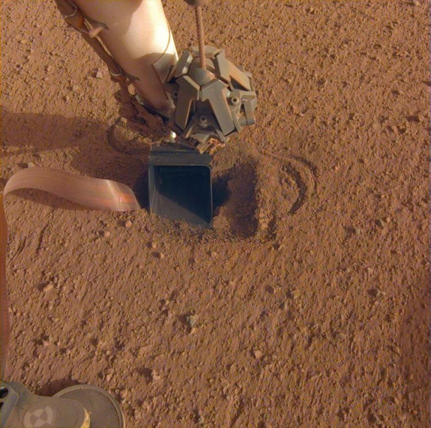 The 'mole' on Mars from NASA's InSight lander may be stuck again | Space