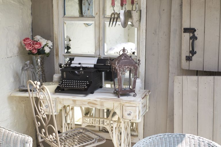 How To Speckle Paint Furniture