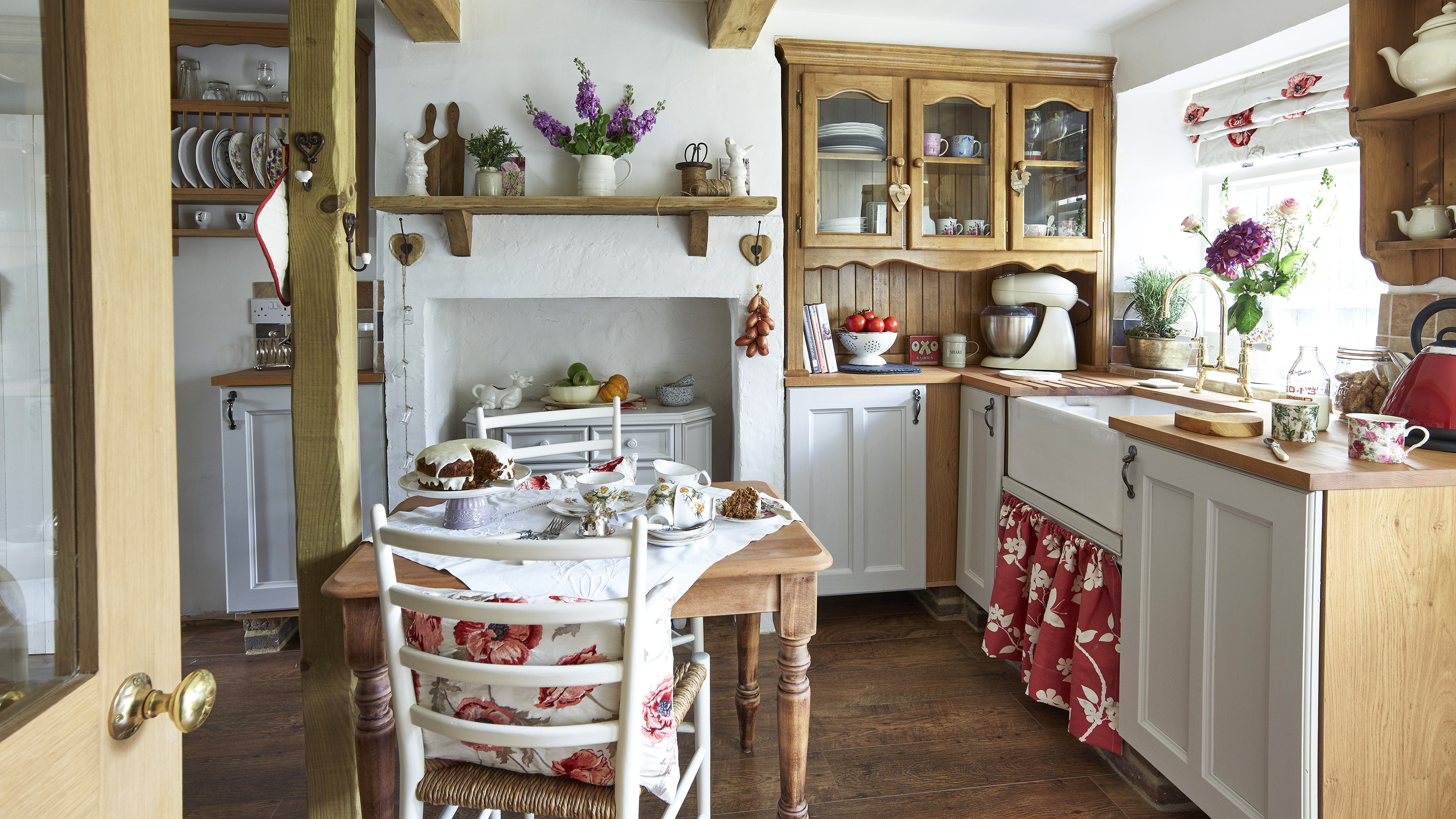 Cottage Kitchens 16 Inspiring Ideas For Your Room Real Homes