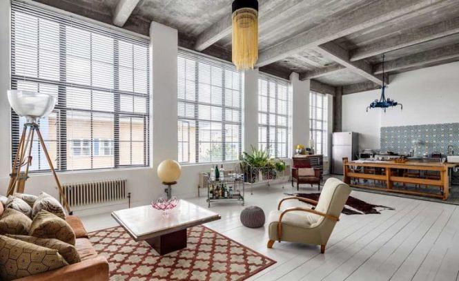 Living E In A Loft Apartment
