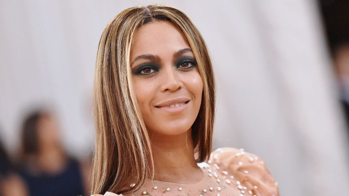 beyonce reveals unseen footage of her