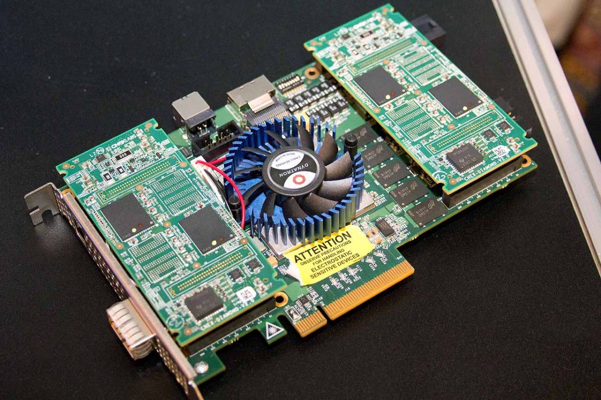 3D XPoint SSD Pictured. Performance And Endurance Revealed At FMS   Tom's Hardware