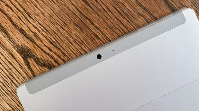 Surface Go 2 vs. iPad - rear camera